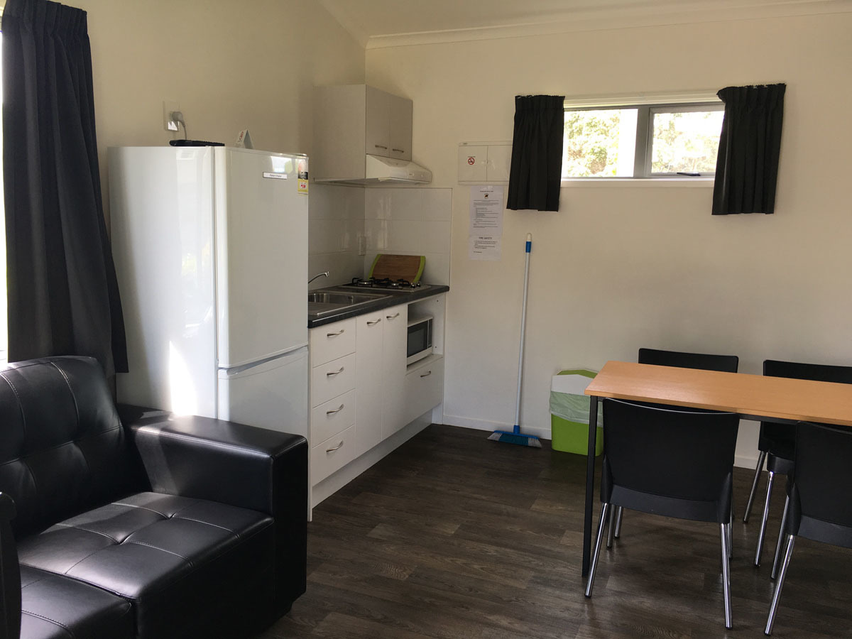 Red Beach holiday park Self-contained units Hibiscus Coast
